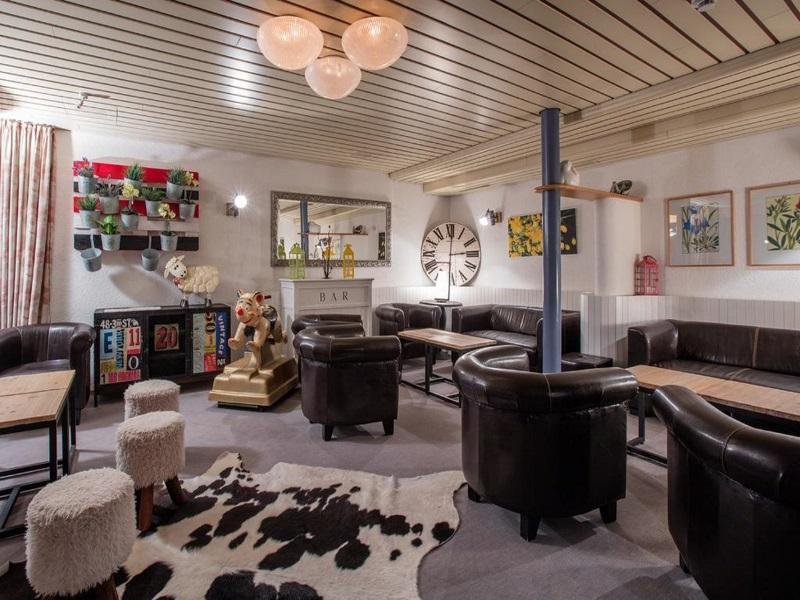Crans-Montana: Hôtel du Lac / Brasserie la Marmotte
