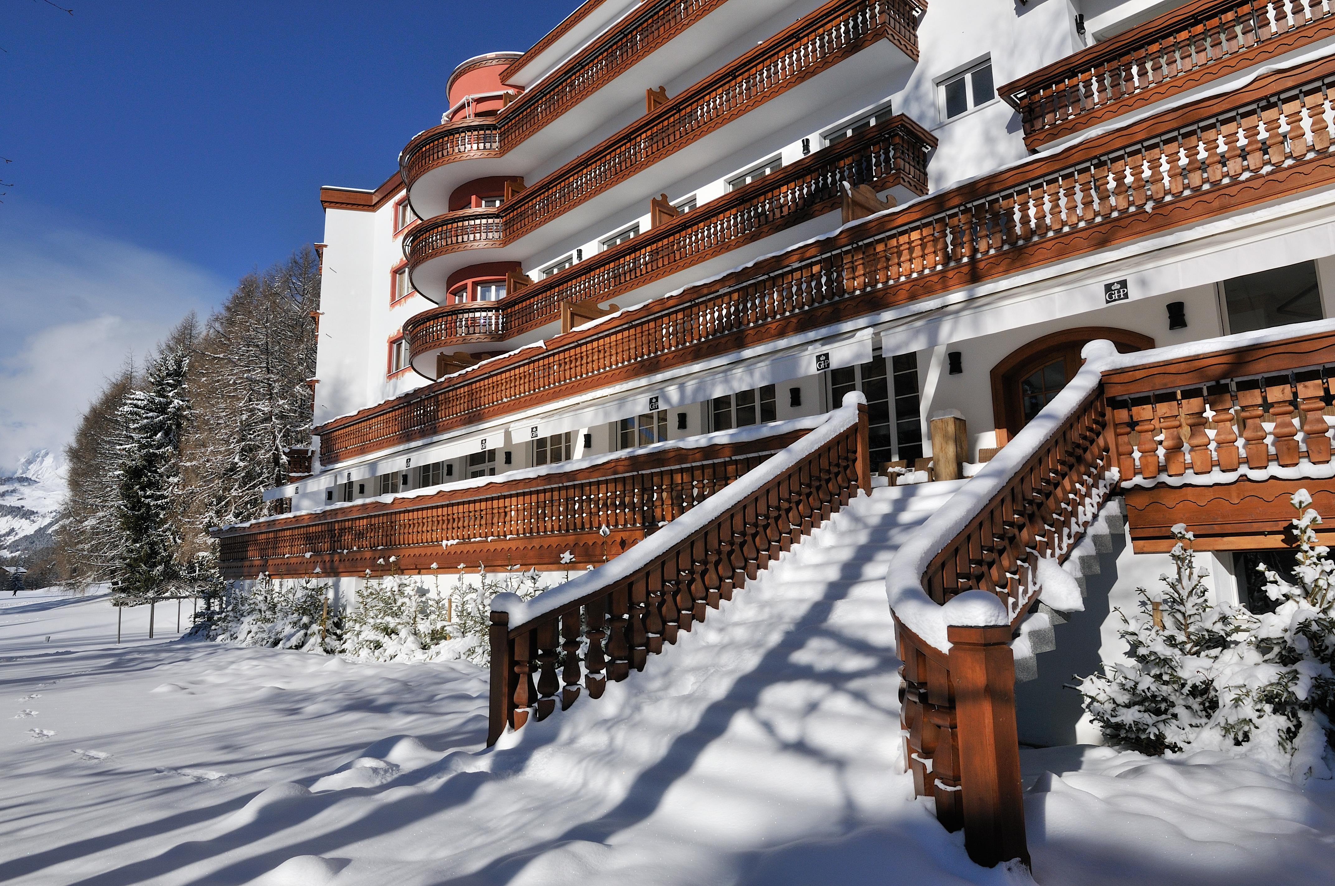 Grand Hotel Du Golf  U0026 Palace